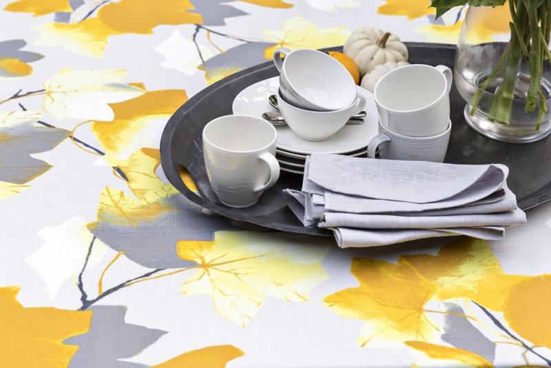 Nádobí z kolekce Kallio v barvách: bílá, šedá, růžová, keramika, design Anu Pentik, Pentik, kávový šálek, 0,25 l, cena 415 Kč, hrnek, 0, 35 l, cena 465 Kč, podšálek, O 15 cm, cena 319 Kč