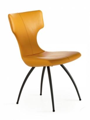 U jídelní židle Callas si můžete vybrat provedení zad, sedáku i nohou a namíchat designový mix podle své chuti