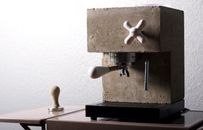 Je libo pořádnou kávu z betonu?