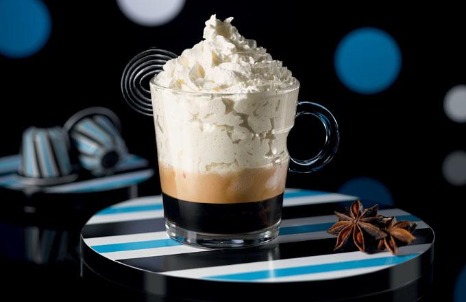 Nespresso odhaluje novou limitovanou edici inspirovanou světem sladkostí pro Nadcházející sváteční sezónu