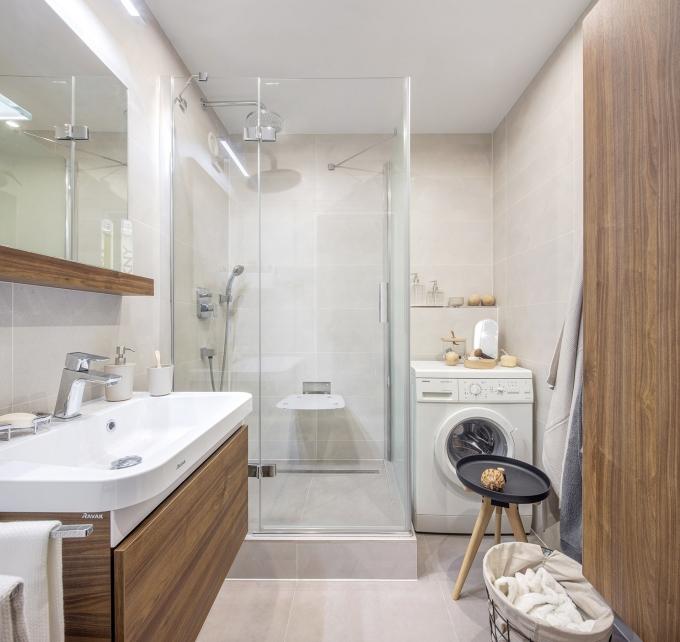 """RAKO Casa: Velký formát i do malého prostoru Rektifikované obkládačky Casa 30 x 60 cm mají zajímavý """"melírovaný"""" design základní obkládačky. Sérii Casa nechybí smysl pro minimalismus a čistotu. Místnosti se díky barevnosti a formátu opticky zvětšují, interiér s touto sérií vhodně doplní jak přírodní materiály, tak i nápadité doplňky. Je ideální volbou nejen pro koupelny, ale i jako obklad pro kuchyně. www.rako.cz"""