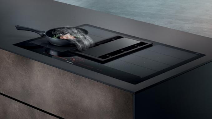 Varná deska s integrovaným odsavačem par Siemens