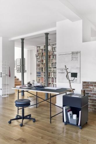 Pracovní stůl Eiermann, výběr materiálů i velikostí, design Egon Eiermann, Richard Lampert, cena od 12 500 Kč, www.onespace.cz