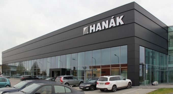 HANÁK FORUM: Nejluxusnější showroom nábytku a dveří v Praze.
