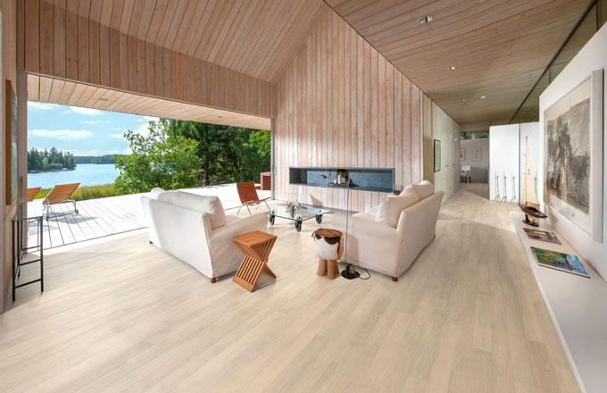 Dřevěné podlahy Karelia přinesou do vašich domovů  úsvit, polární zimu, ale okoření ho i pepřem