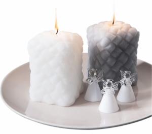 Svíčka Tuohi, bílá a šedá, 8 x 8 x 12 cm, Pentik, cena 395 Kč, sklenění andílci Enkeli, 3 x 5 cm, Pentik, cena 379 Kč/3 ks