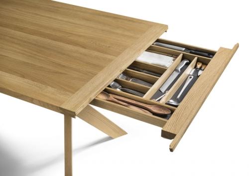 Jídelní stůl YPS s výsuvným úložným prostorem, masivní dřevo, design Jacob Strobel, Team 7, cena na dotaz, www.decoland.cz