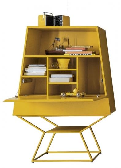 Komoda Summer s vyklápěcí deskou, design Gino Carollo, Bonaldo, cena 78 916 Kč, www.cskarlin.cz