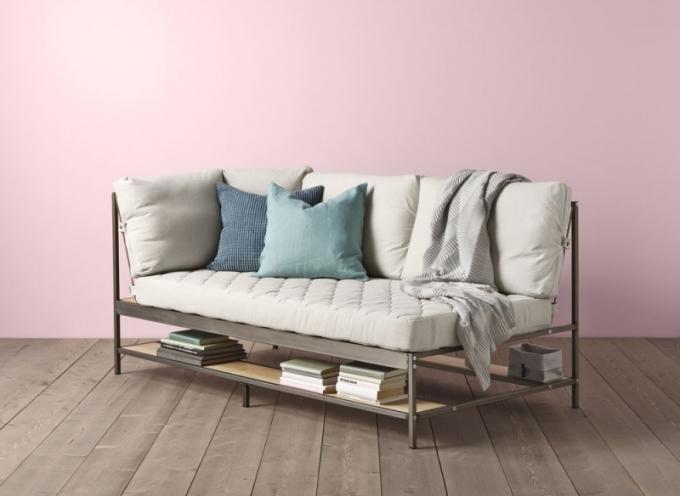 Třímístná pohovka Ekebol s úložným prostorem, potah 80 % bavlna a 20 % len, design Gustav Carlberg, Ikea, cena 10 990 Kč, www.ikea.com