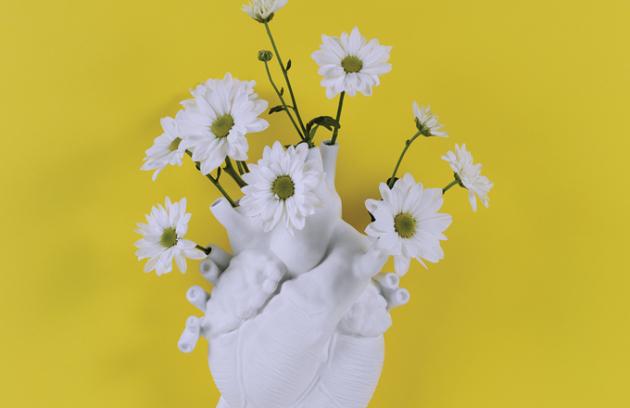 Zasaďte své lásce květiny přímo do srdce