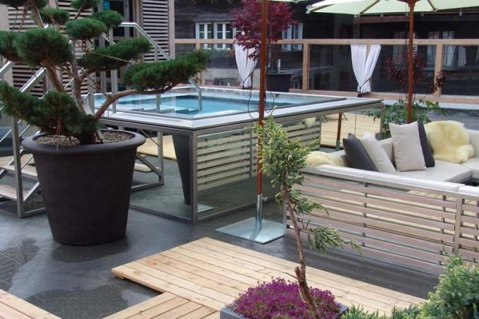 Indoor a outdoor wellness a spa na ploše 600 m2 jsou fascinujícím místem, kde si v originálním prostředí odpočine tělo i duše