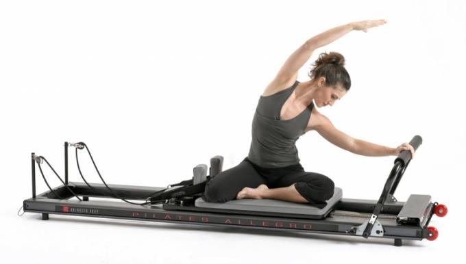Reformer Allegro System určený pro cvičení pilates k posilování, zlepšení stability a fl exibility i koordinace, Balanced Body, cena od 70 000 Kč, www.mypilates.cz