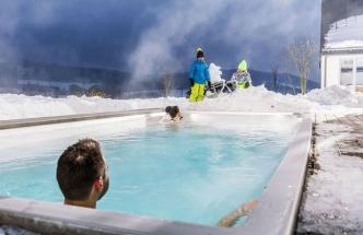 Součástí vybavení termálního bazénu Swim Spa je 15 hydromasážních trysek, 6 trysek vytvářejících protiproud, USSPA, www.usspa.cz