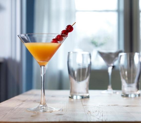 Sklenka na martini Fyrfaldig, objem 170 ml, cena 49 Kč, www.ikea.cz