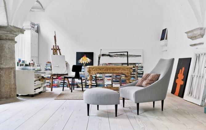 Křeslo Silencio, textilie, design Richard Ferer, Sancal, ceny: křeslo od 28 790 Kč, podnožka od 9 850 Kč, www.onespace.cz