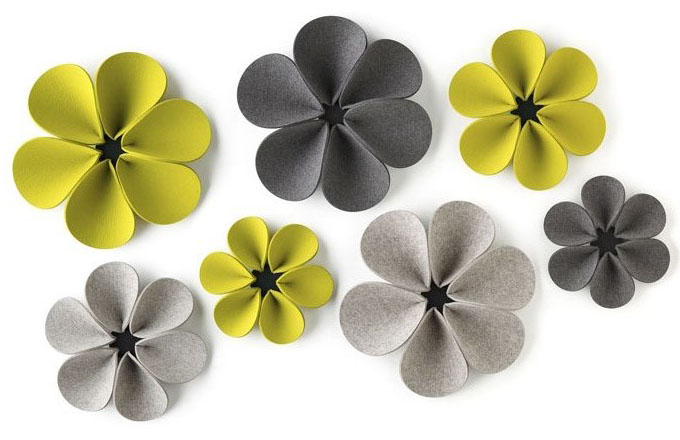 Silent Flower je nástěnný doplněk určený k absorpci hluku jako dekorativnější alternativa akustických panelů, O 36, 44 a 50 cm, dostupné ve 43 odstínech, Hey-sign, cena na dotaz, www.hey-sign.de