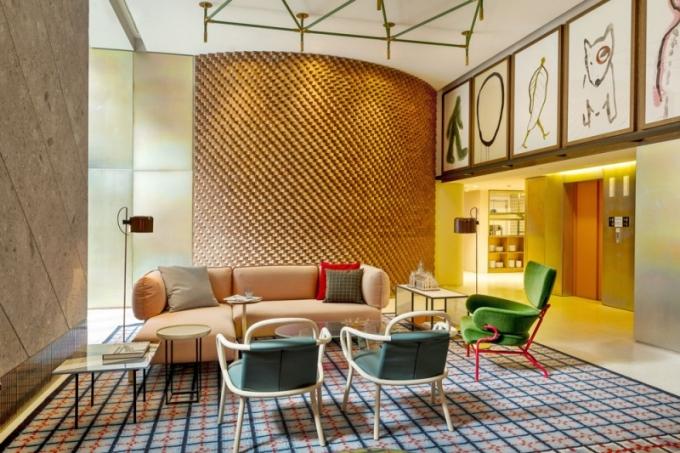 V celém hotelu jsou k vidění nejrůznější díla umělců, fotografů a ilustrátorů – samozřejmě rodilých Miláňanů