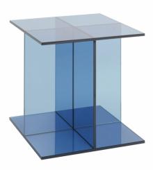 Odkládací stolek Vier, sklo, 40 x 40 x 40 cm, design Philipp Mainzer, E15, cena 40 370 Kč, www.konsepti.com