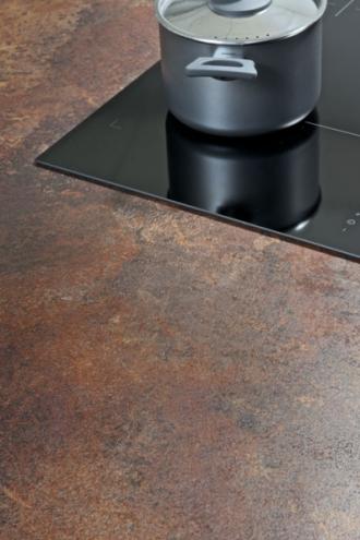 Povrch corten imituje vzhledem i strukturou ocel s charakteristickou a esteticky působivou rezavou patinou