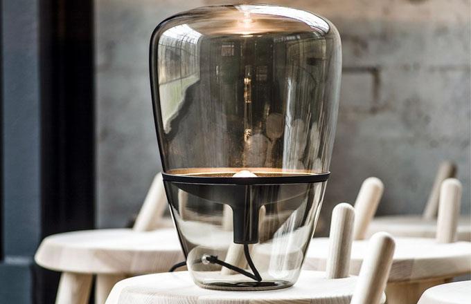 Lampa Balloons, ručně foukané sklo, dostupné ve třech velikostech, výška 40, 60 a 85 cm, design Lucie Koldová a Dan Yeffet, Brokis, cena od 15 319 Kč, www.aulix.cz