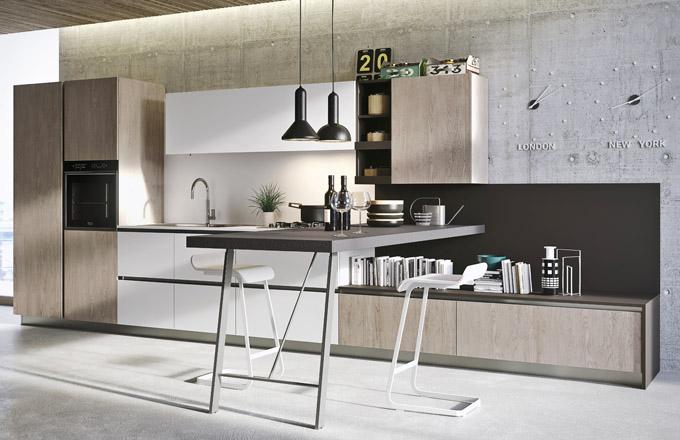 Kuchyňský koncept First ze série Everyone, nábytek melamin v odstínu šedé vápno v kombinaci s dubem, laminátová pracovní deska, odstín arktická bílá, Snaidero, cena na dotaz, www.snaidero.com