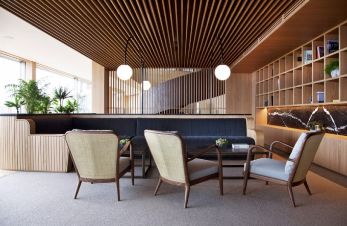 Pod designem interiéru je podepsána dvojice architektů Marta Urtasunová a Pedro Rica