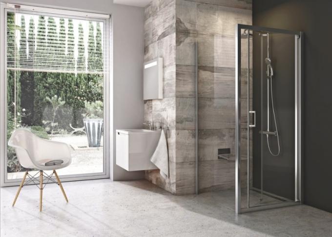 Pevná stěna Blix a zalamovací dveře umožňují vytvořit obdélníkový i čtvercový sprchový kout
