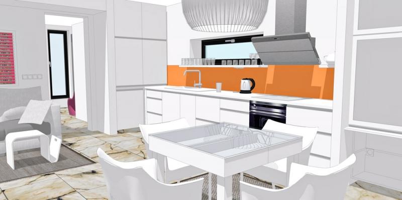 Mramor na podlaze dodává bytu pocit luxusu a hezky se doplňuje s bílým nábytkem