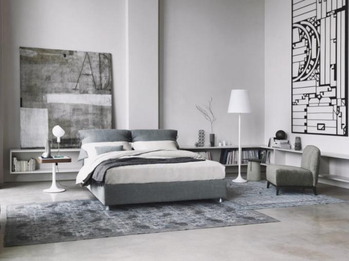 Postel Nathalie, možnost výběru čalounění, design Vico Magistretti, Flou, cena 124 645 Kč, WWW. STOCKIST. CZ