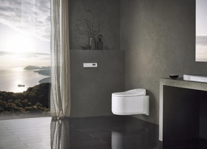 Sprchový klozet Grohe Sensia Arena, nastavitelné režimy sprchy, automatické čištění mísy, efektivní splachovací systém Triple Vortex, dálkový ovladač, nastavení režimů prostřednictvím mobilní aplikace, Grohe, cena 107 551 Kč, WWW. GROHE.CZ