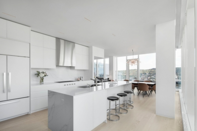 Penthouse s výhledem na Mount Royal - kuchyň (foto: Adrien Williams)