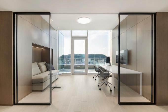 Penthouse s výhledem na Mount Royal - pracovna (foto: Adrien Williams)