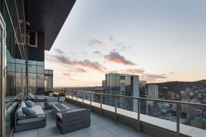 Penthouse s výhledem na Mount Royal (foto: Adrien Williams)