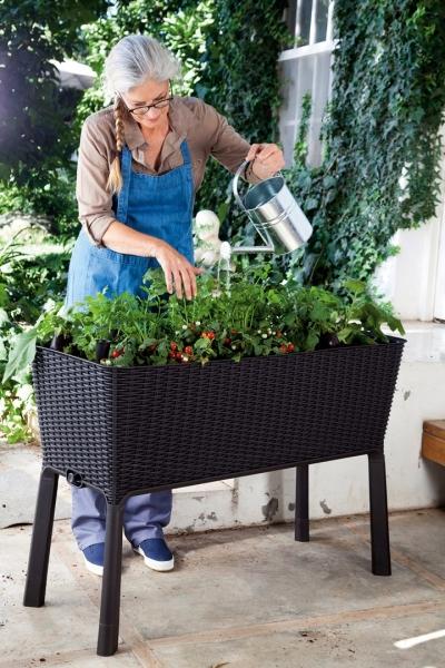 Vyvýšený zahradní záhon Easy growing (Foto: Hornbach)