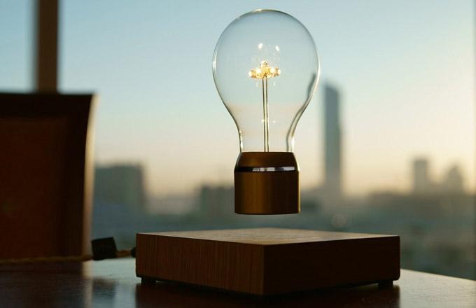 Žárovka, která popírá fyzikální zákony