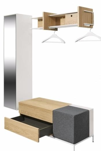 Sestava nábytku now! spin, dubová dýha a bílý lak, 150 x 45 x 178 cm, Hülsta, cena 47 236 Kč, WWW. HOMESTYLE. CZ