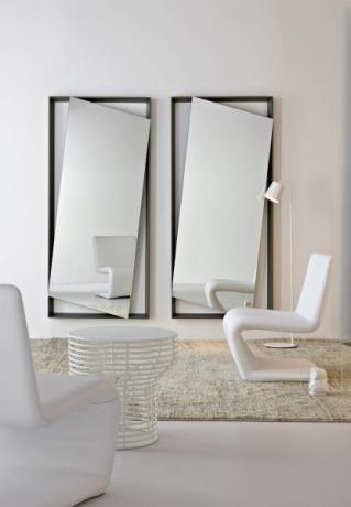 Zrcadlo Hang up, rám ve více barvách laku i dřevě, 85 x 185 cm, design Andrea Lucatello, Bonaldo, cena od 33 604 Kč, WWW. PUNTODESIGN. CZ