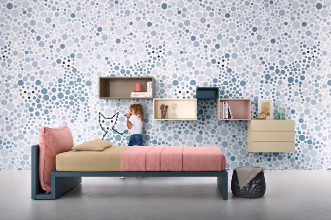 Dětská postel Linea s unikátním řešením čela (Lago), design Daniele Lago, MDF, výběr z několika barevných provedení a rozměrů, cena na dotaz, WWW.LAGO.CZ