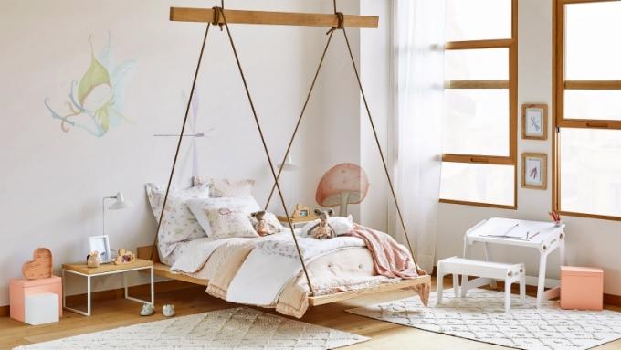Levitující postel Little Star (Zara Home), dřevěná konstrukce, více rozměrů, cena na dotaz, WWW.ZARAHOME. COM