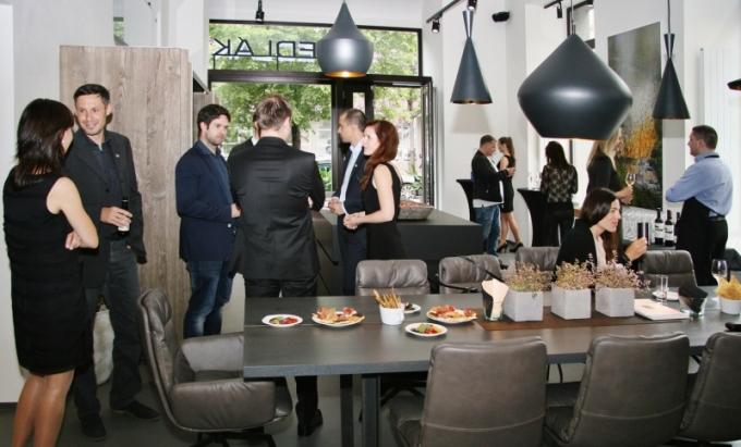 Nenechali jsme si ujít otevření nového showroomu designových kuchyní Eggersmann UNIQUE firmy Sedlák Interier.