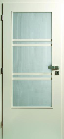 Interiérům stále kralují bílé dveře - Retro