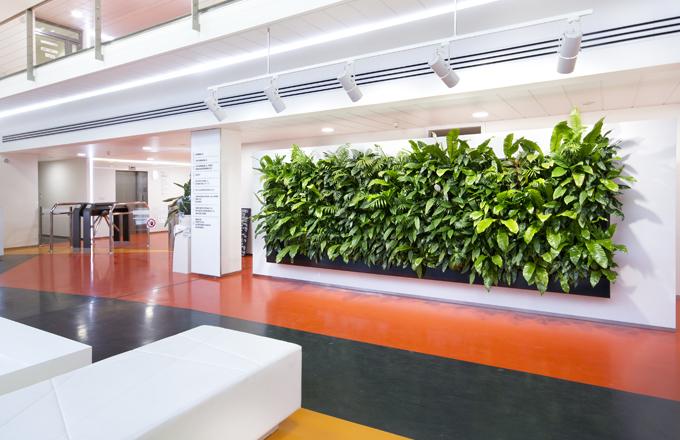 Společnost NĚMEC Luxusní Povrchy tvoří kaskádové zahrady přesně na míru vašemu přání a možnostem. Každá je tak originál.
