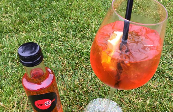 Díky pečlivému namíchání a plné chuti se stal jedním z předních mix spritzů v Evropě. Jako základ využívá vlastního Prosecca a přísně střeženou recepturu. Barva je hluboká červená, dovedená k italské dokonalosti.