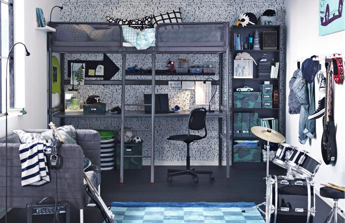 Rám vysoké postele Tuffing (IKEA) je ideální do malých pokojů, cena 2 990 Kč, www.ikea.cz