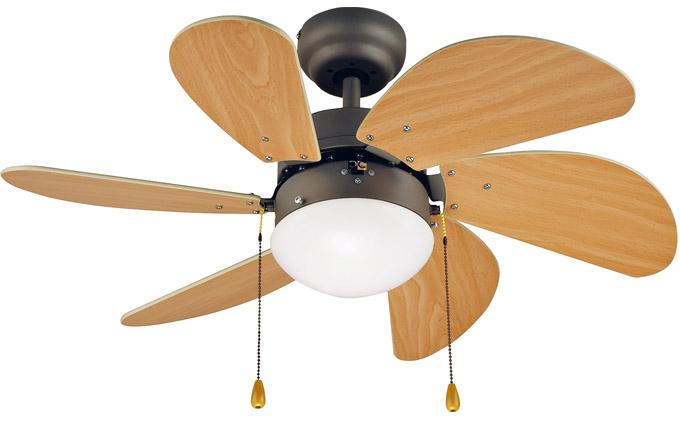 Stropní dřevěný ventilátor Madeira Forano, O vrtule 76 cm, je vhodný do místností o ploše do 6 m2 a poslouží zároveň jako lustr, cena 1 290 Kč, www.hornbach.cz