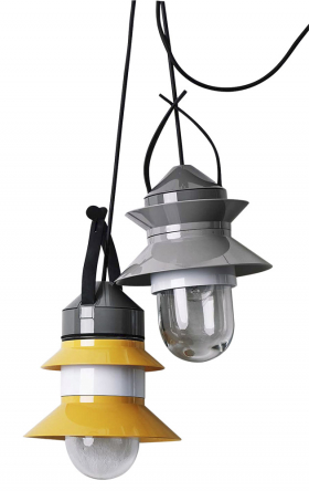Santorini (Marset), design Sputnik Estudio, O 21,2 cm, sklo, kov a polykarbonát, cena od 6 948 Kč, WWW. LIGHTWORKS. CZ