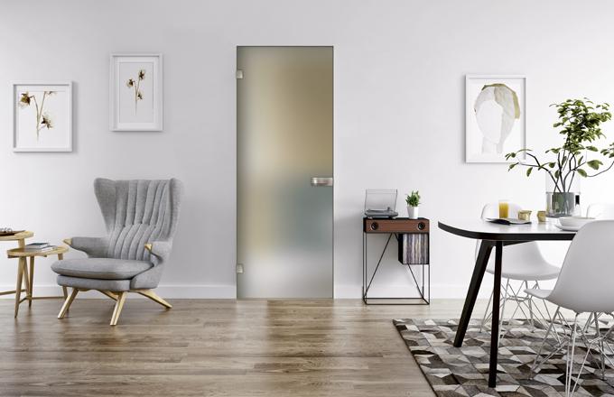 Dveře Vitrum (Dorsis) se skrytou zárubní, kalené mléčné sklo, orientační cena včetně kování 30 000 Kč, WWW. DORSIS. CZ