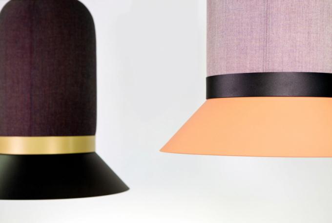 BuzziHat (Buzzi Space) odzbrojuje na první pohled. Jeho roztomilé vzezření vycházející ze siluety elegantní pokrývky hlavy je podpořeno nezvyklými barevnými odstíny, které lze libovolně kombinovat.