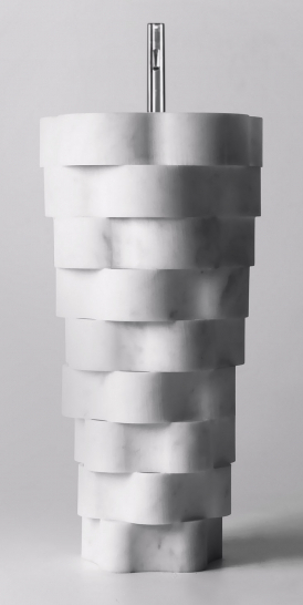 Volně stojící umyvadlo Intreccio (Antonio Lupi Design), design Paolo Ulian, řezané z jediného bloku mramoru, cena na dotaz, WWW. ANTONIOLUPI. IT