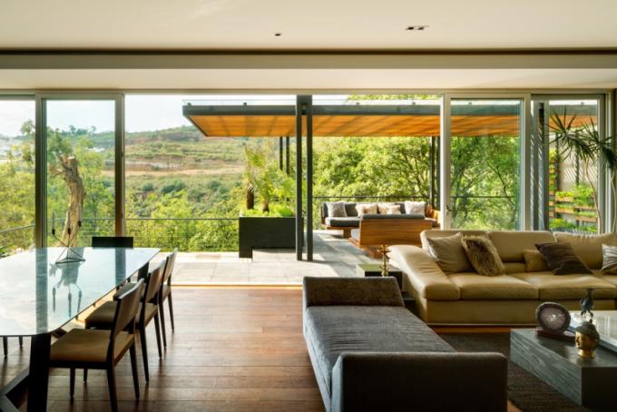 Harmonie vnitřních a vnějších prostor. Tak by se dalo jednoduše popsat bydlení v Mexiku, které v loňském roce získalo cenu Americké architektury za venkovní design. Snahou architektů bylo vytvořit dialog mezi nově vybudovanou stavbou a okolním prostředím.
